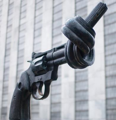 sari_dennise -  Knotted Gun  - Nonviolence sculpture. United Nations headquarters, NYC.